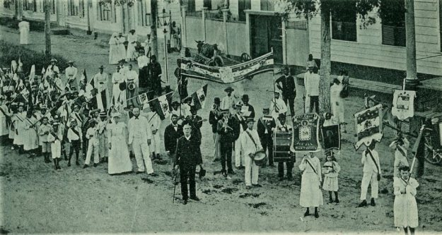 Kinderen van de Christelijke School in Paramaribo, ca. 1895
